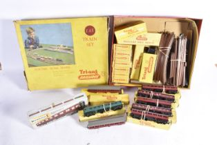Collection of Tri-ang TT Gauge, including two late issue T84 BR maroon Restaurant Cars with BR