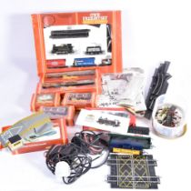 Hornby 00 Gauge Train Set and Accessories, R535 GWR Freight Set, comprising GW green 0-4-0 Tank,