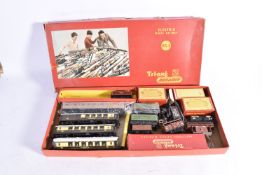 Tri-ang Tri-ang-Hornby and Hornby 00 Gauge Train Set and Accessories, Tri-ang, RS 3 Train Set,