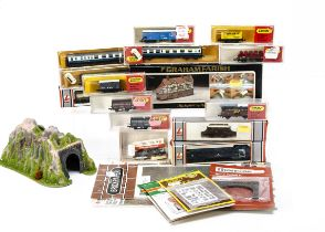 Lima Minitrix and Graham Farish N Gauge Locomotive Rolling Stock and Accessories, Lima, 320617 BR