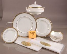 A modern Royal Doulton part dinner service, Clarenden pattern H 4993, six dinner plates, deseert