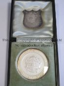 KENNETH POWELL MEDAL / CAMBRIDGE UNIVERSITY 1905 Boxed round glass covered medal with separate metal