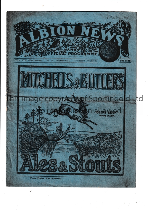 WEST BROM Home West Bromwich Albion programme v Manchester United 19/12/1925. Lacks one staple. No