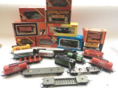 A Collection of Hornby, Airfix, Mainline etc rolli