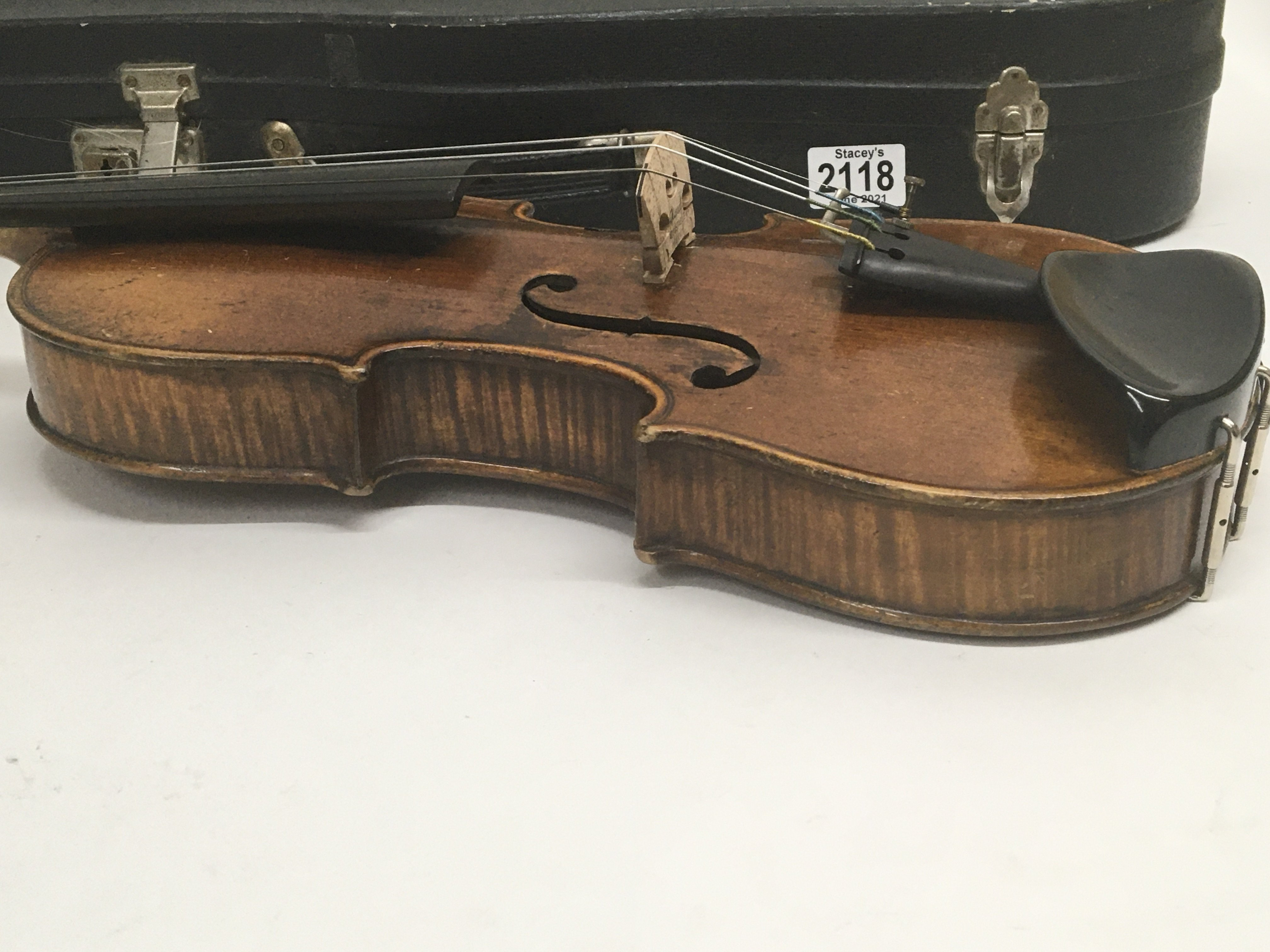 A Quality Victorian English violin maker William B - Image 2 of 6