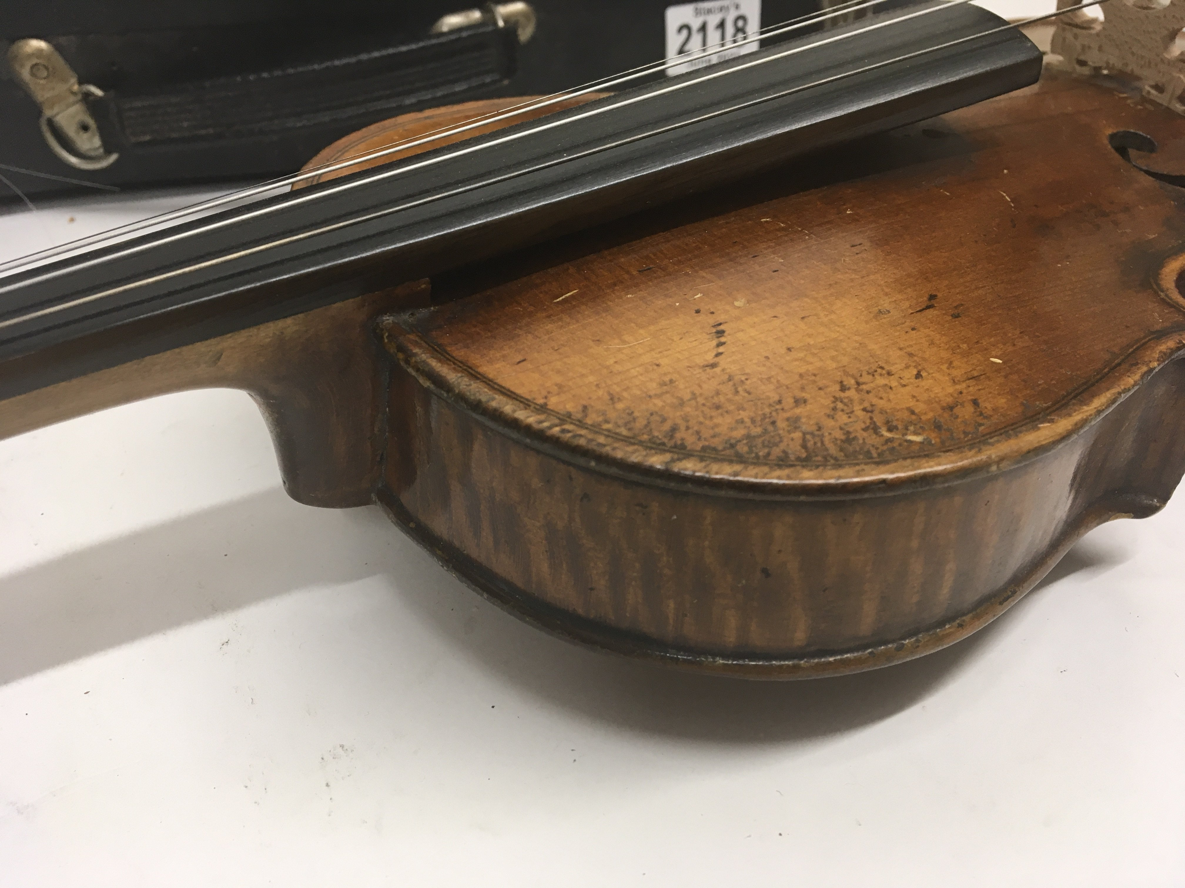A Quality Victorian English violin maker William B - Image 5 of 6