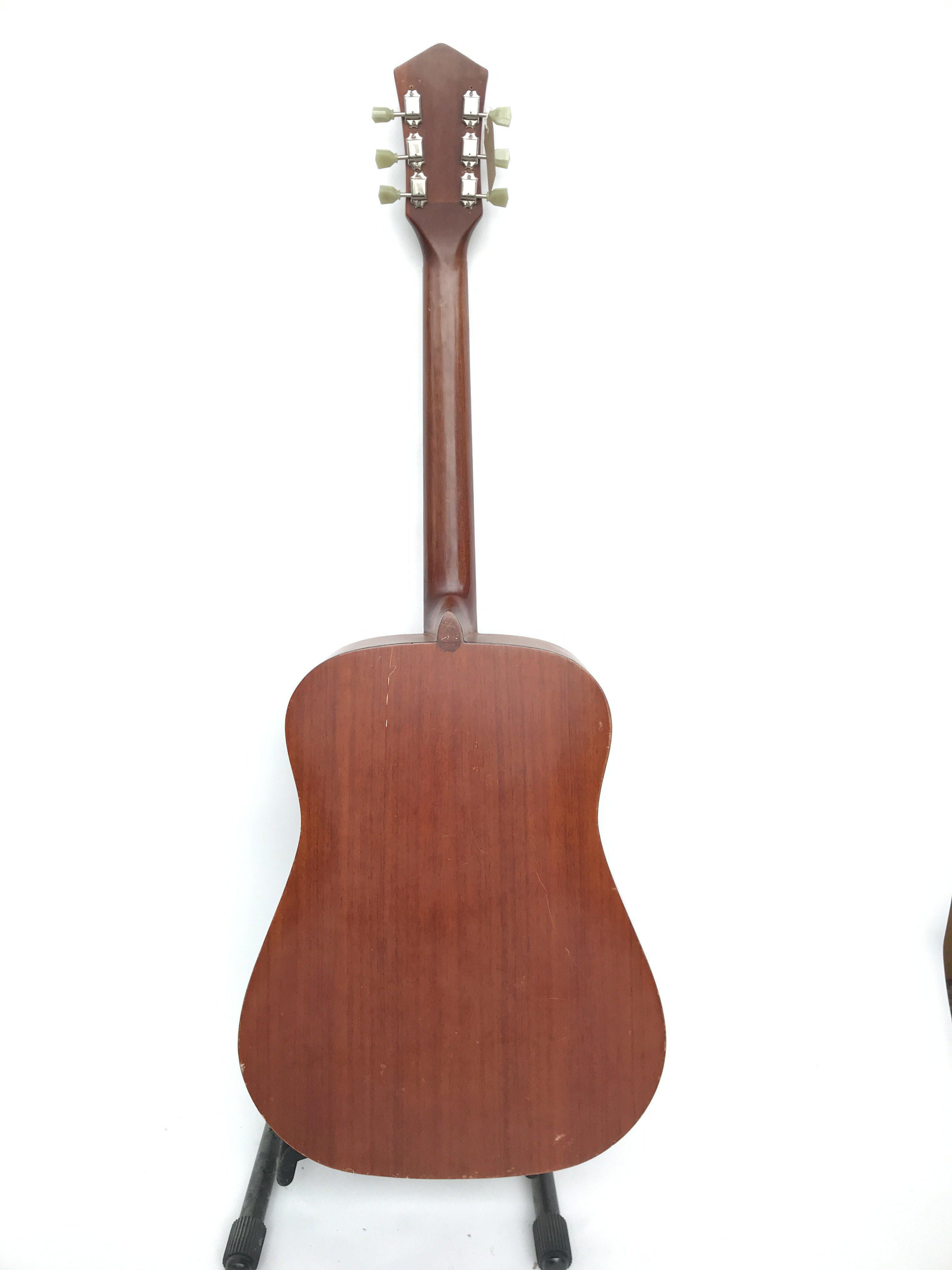 A vintage Korean made Harmony acoustic guitar (mod - Image 3 of 3
