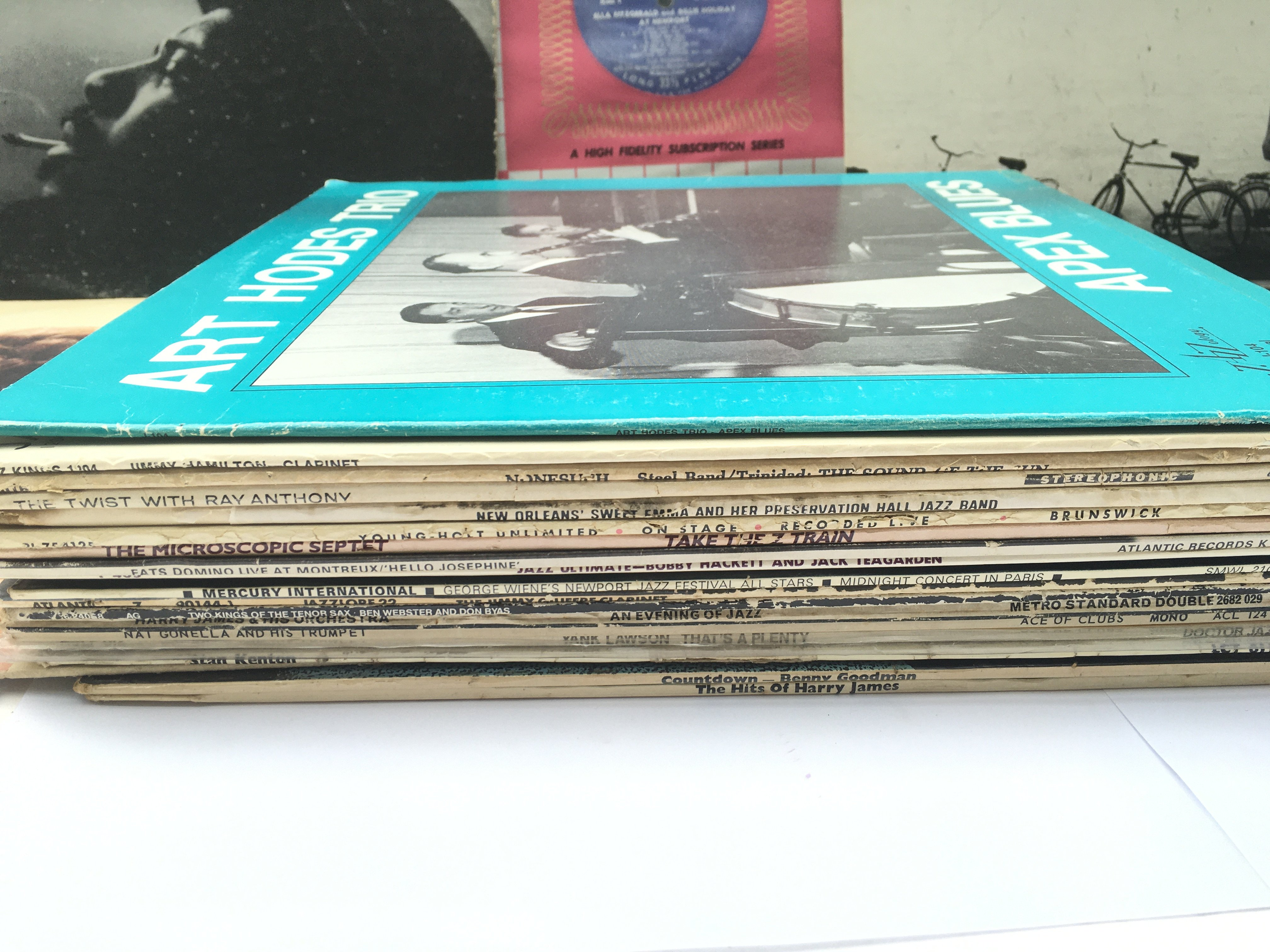 A collection in two bags of approx 23 jazz LPs by - Image 2 of 3
