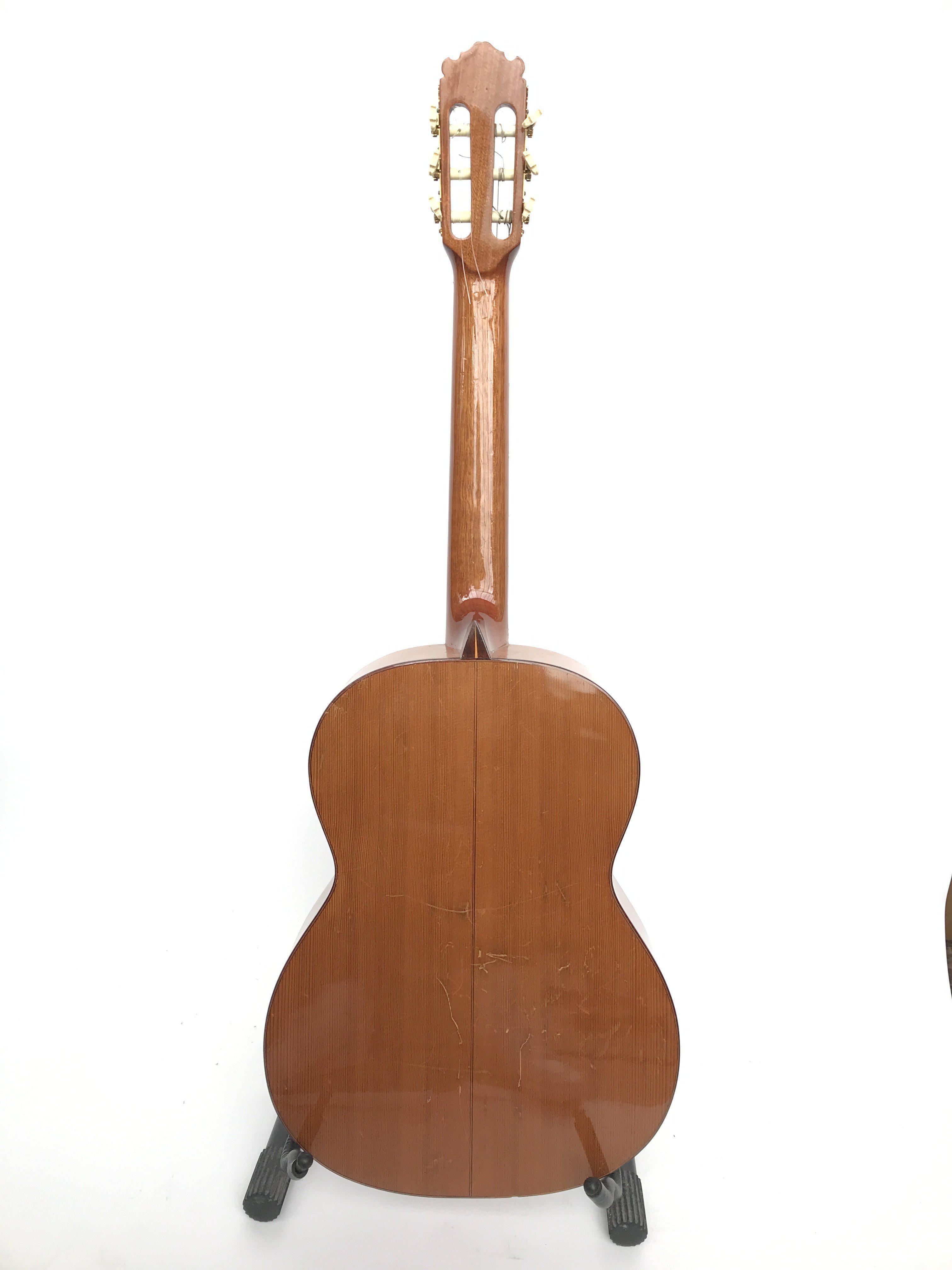 A vintage Japanese K Yairi Company Ltd acoustic cl - Image 3 of 4