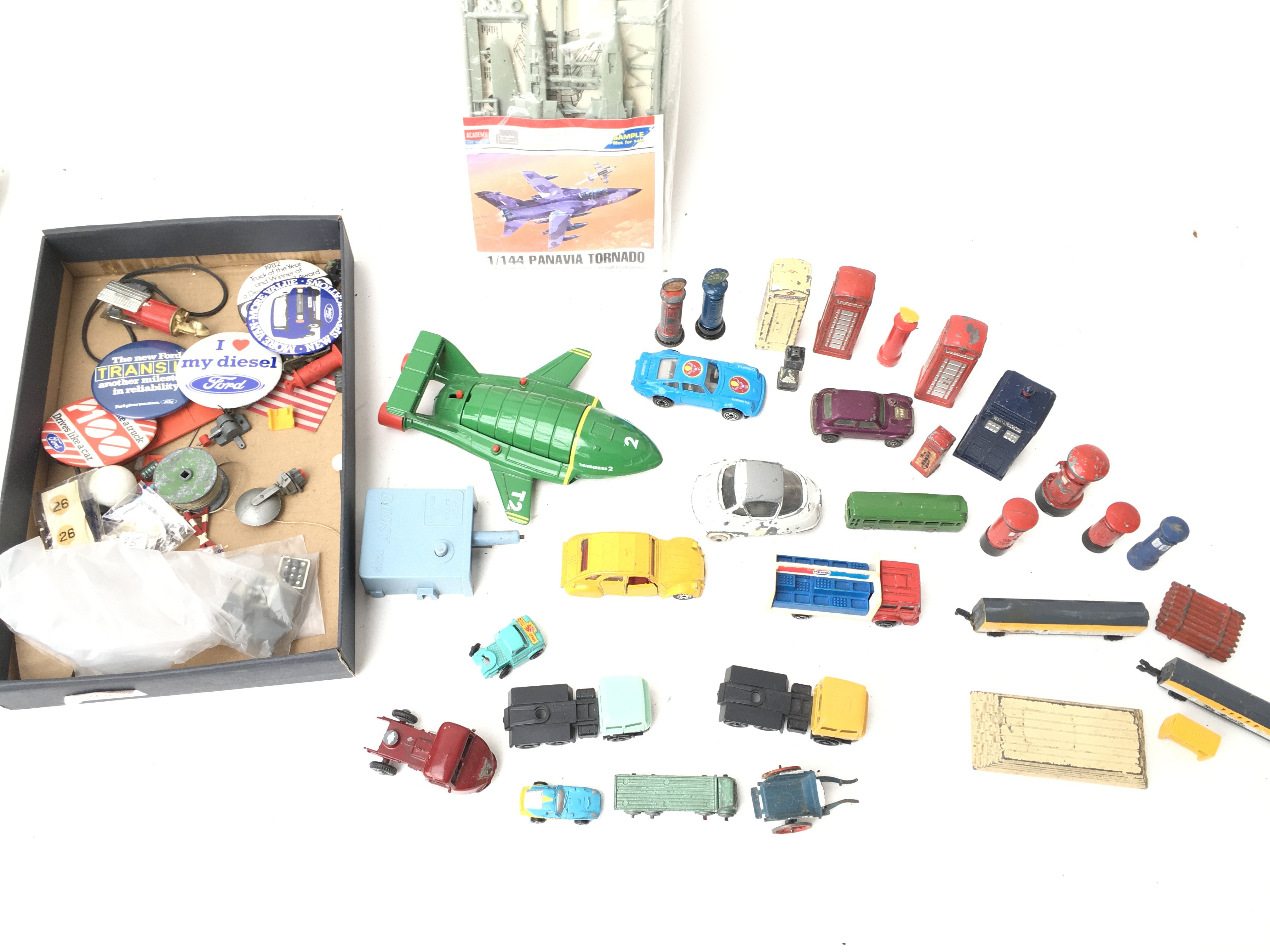 A Collection of Various Die-Cast and Plastic Vehic - Image 2 of 3