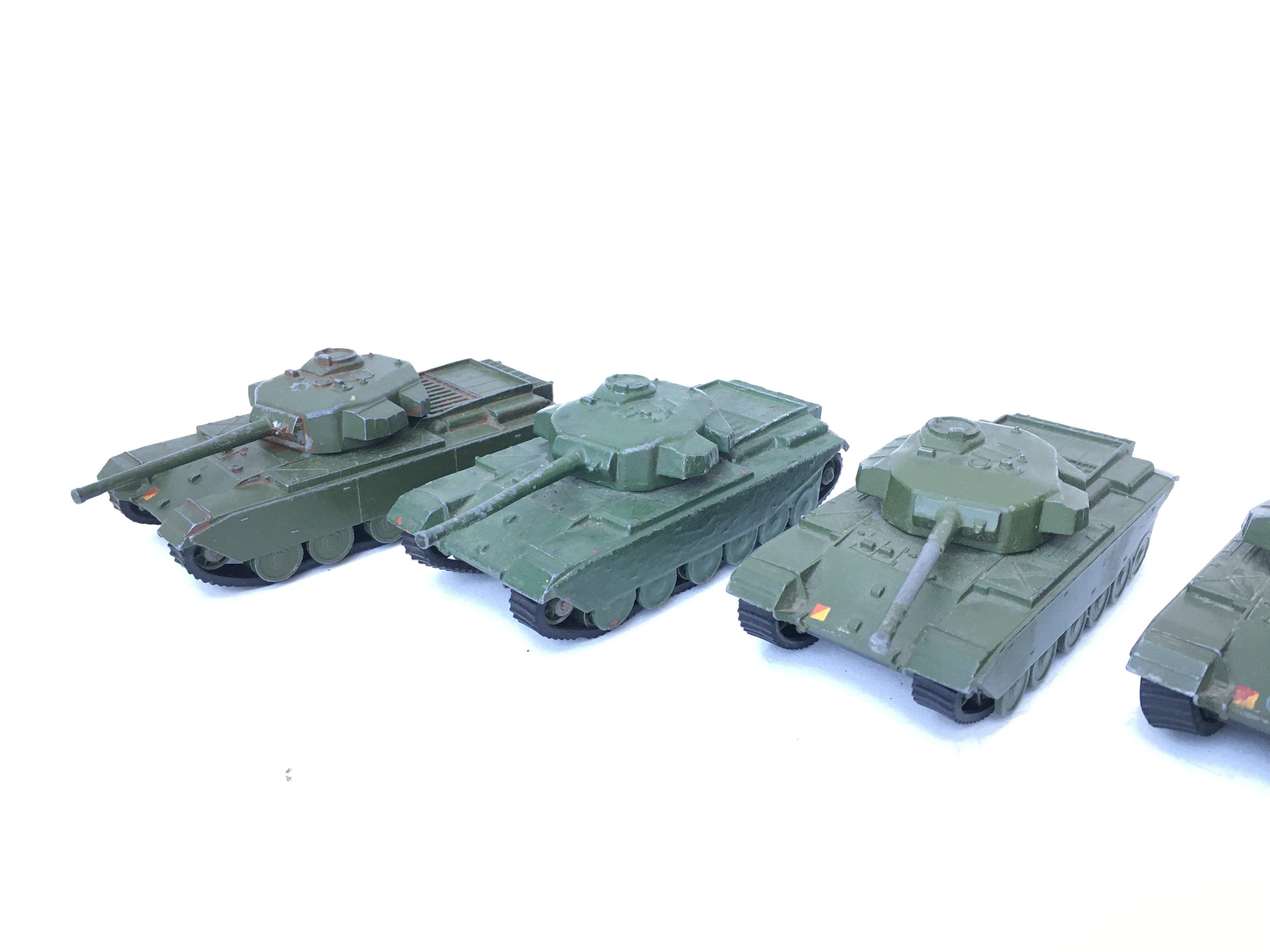 5 X Dinky Supertoys Centurion Tanks. #651.(1 re-pa - Image 3 of 4