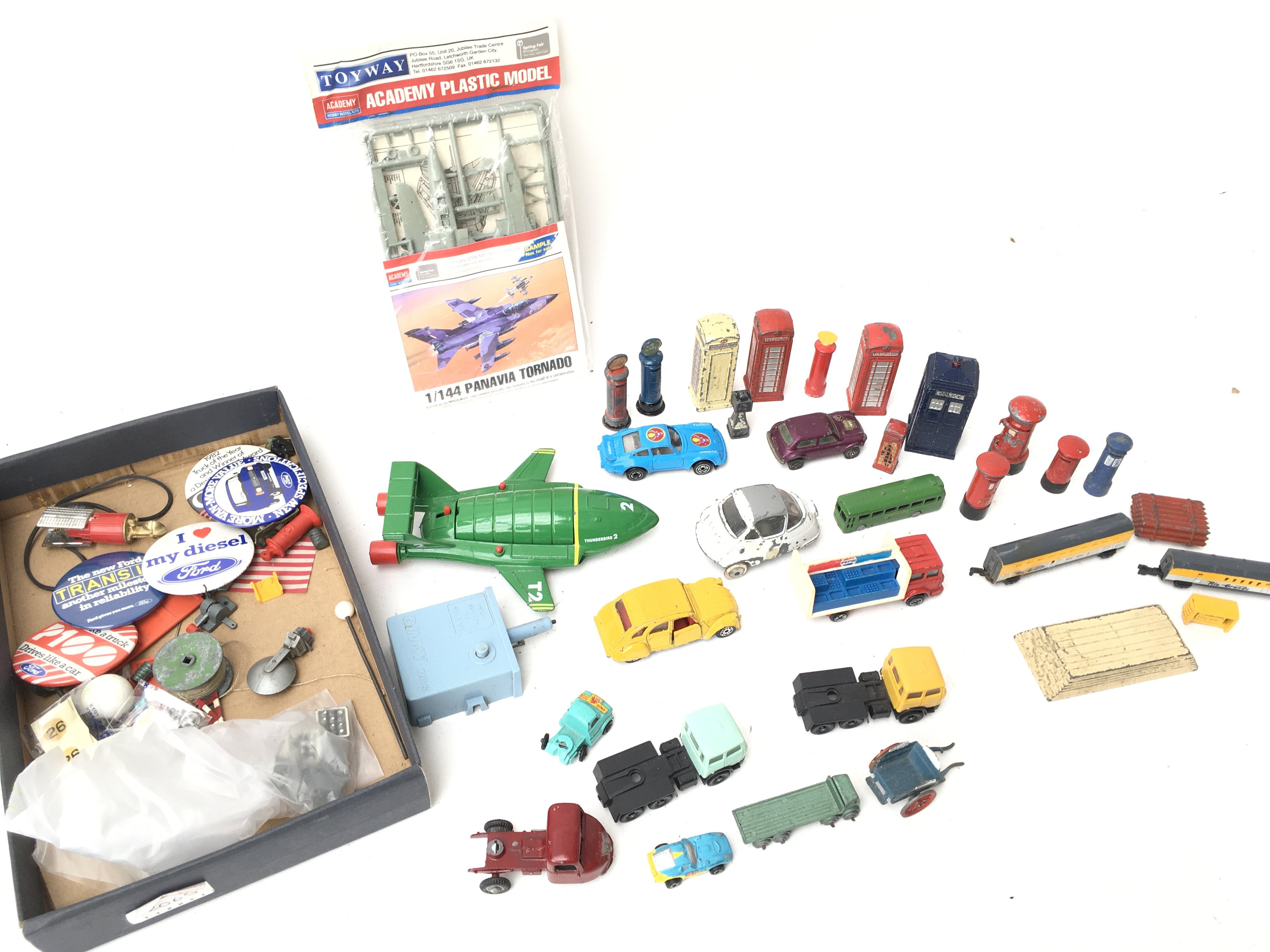A Collection of Various Die-Cast and Plastic Vehic - Image 3 of 3