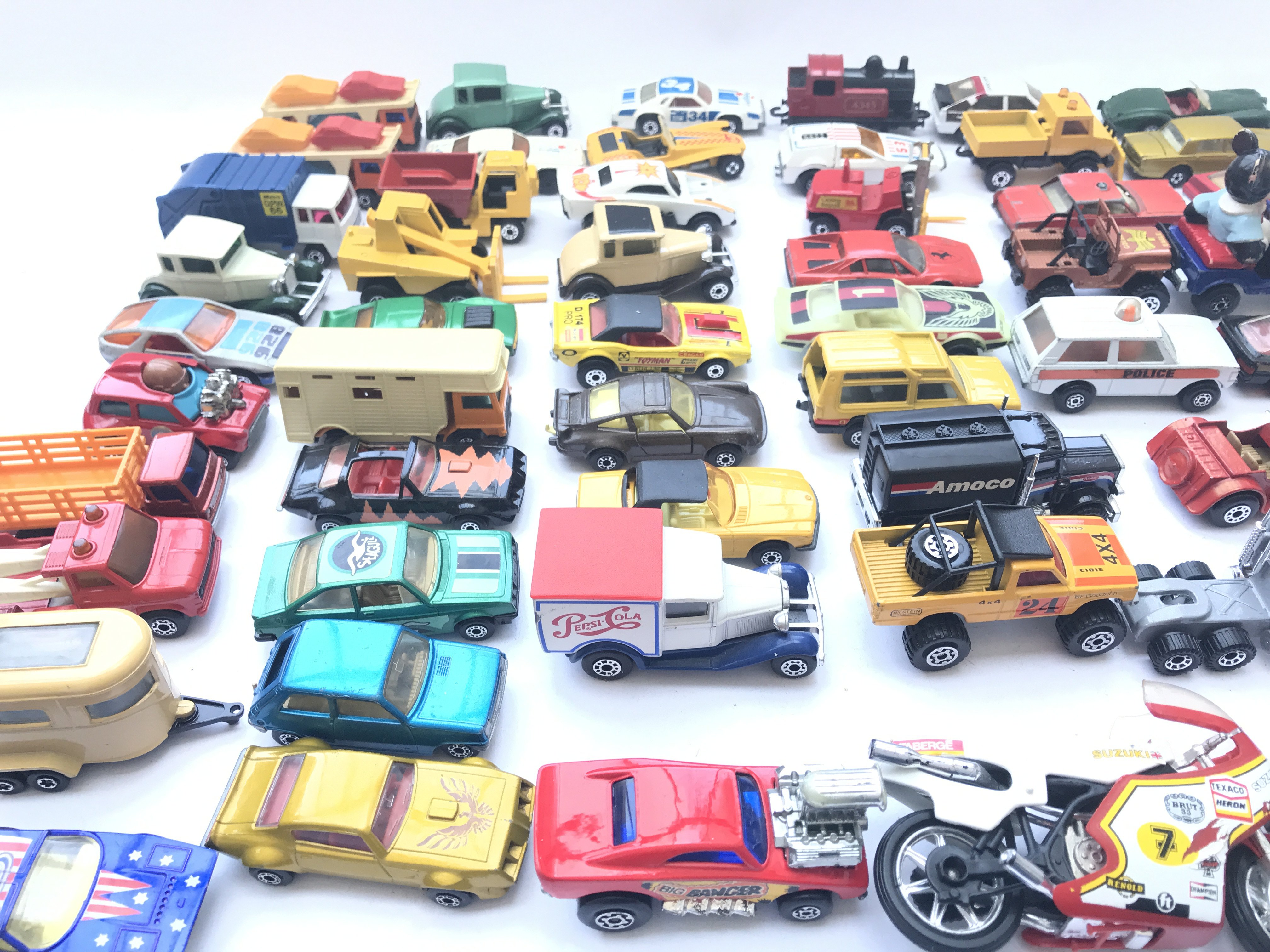 A Collection of Matchbox Diecast Vehicles. Includi - Image 2 of 3