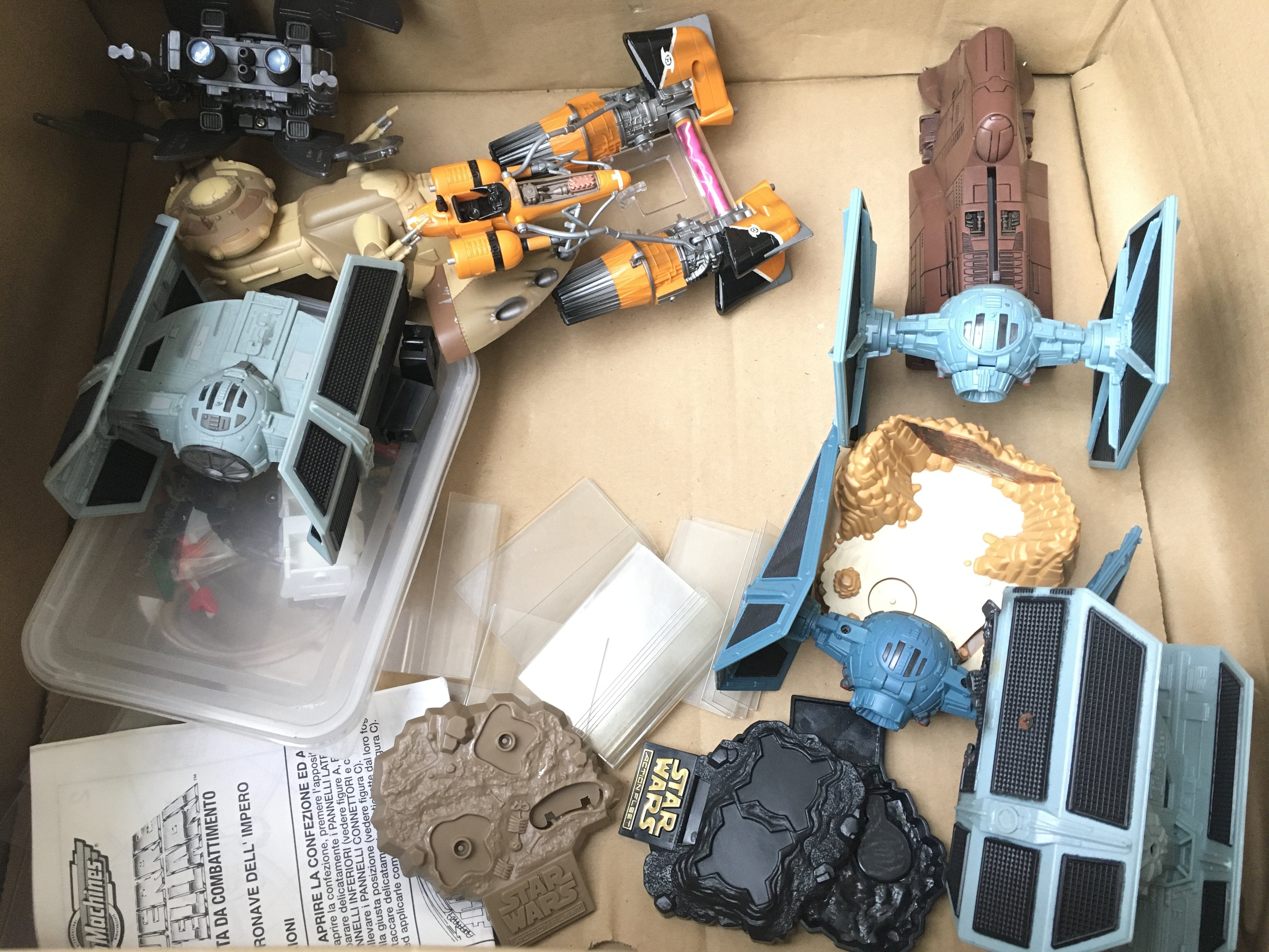 A Box Containing a Collection of Loose Star Wars A - Image 2 of 4