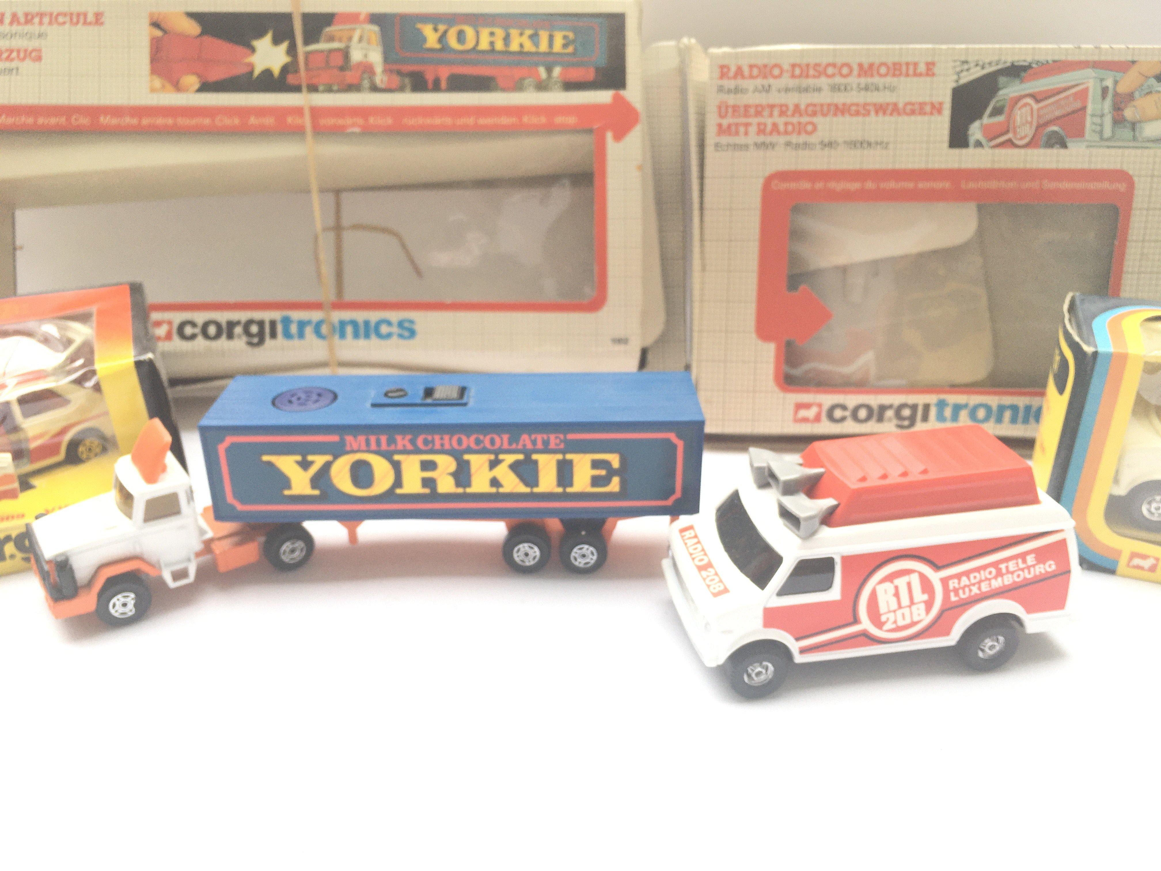 2 x Corgitronic Vehicles #1002 (control missing) a - Image 4 of 4