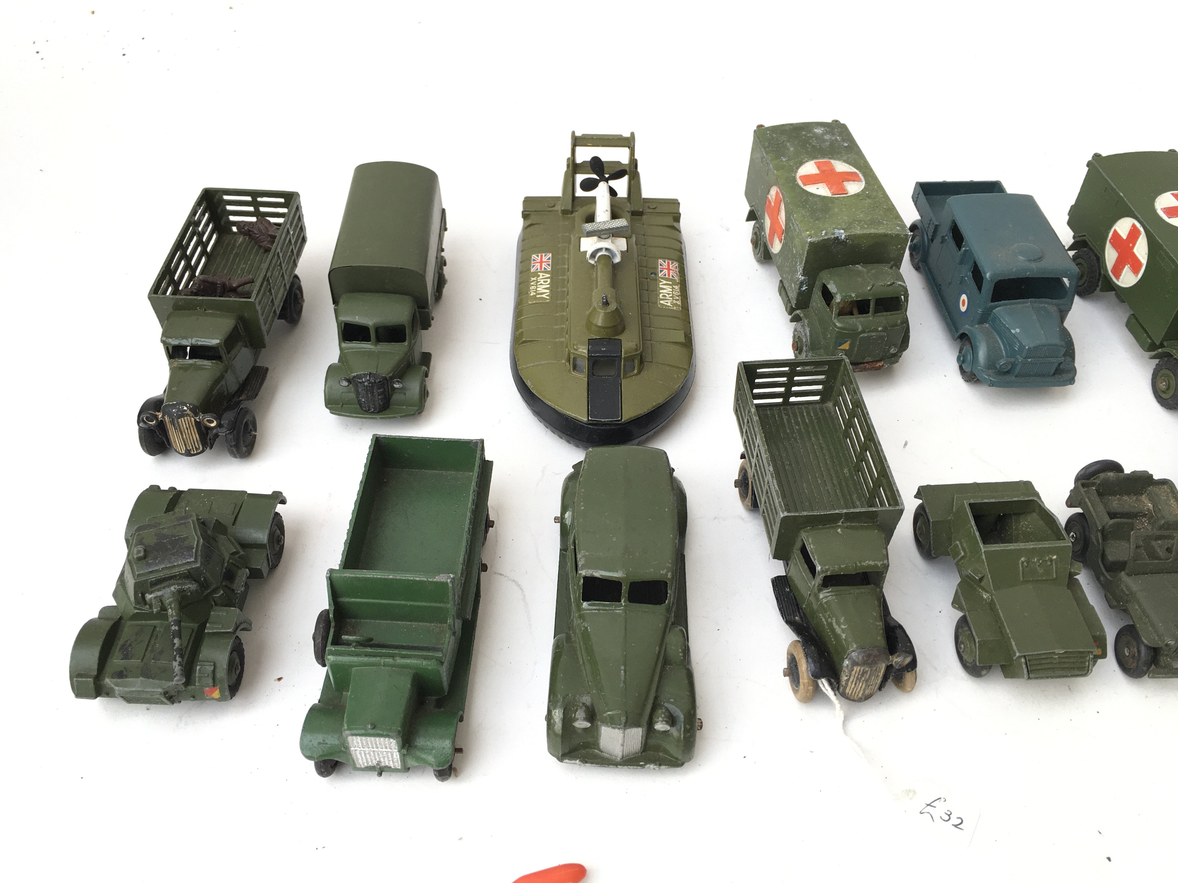 A Collection of Military Die Cast Vehicles includi - Image 3 of 4