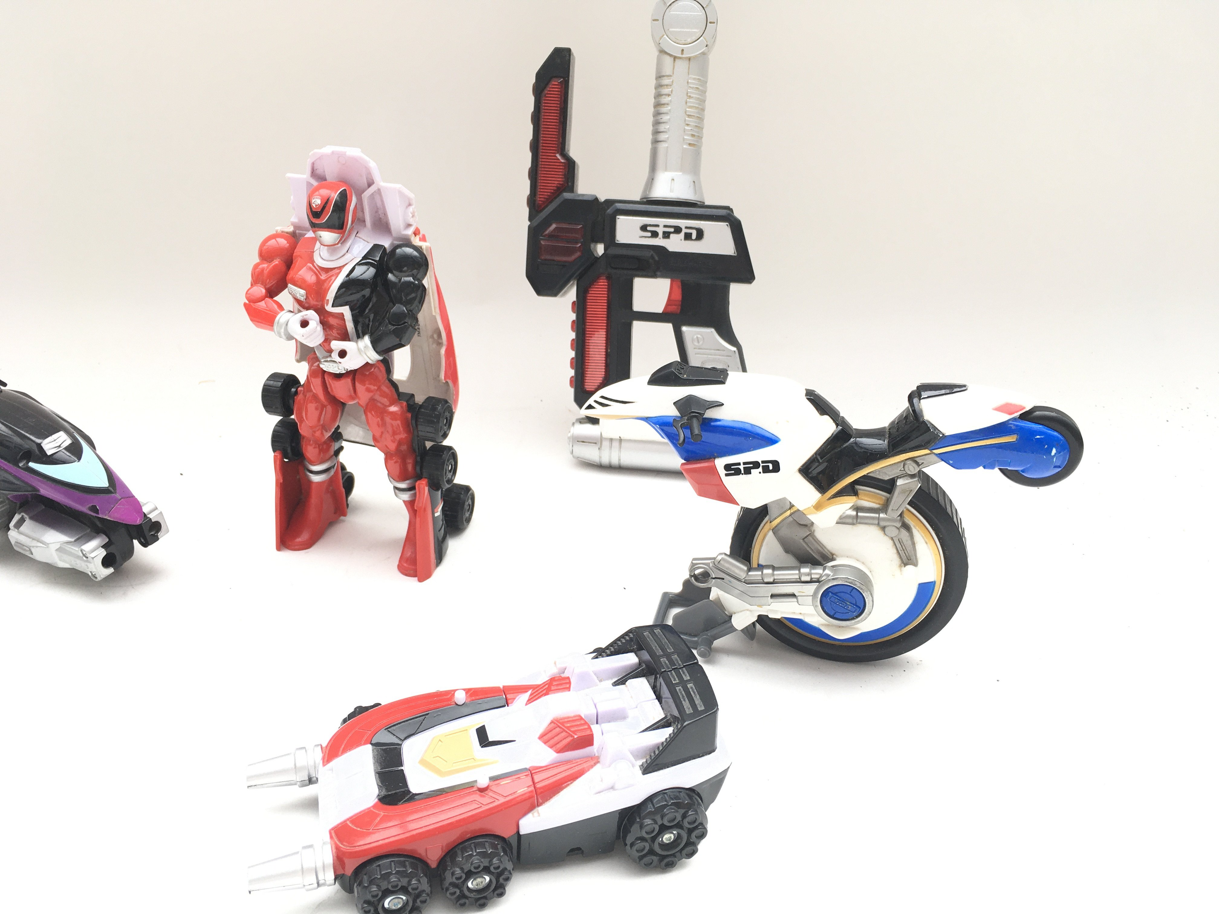 Collection of playworn power rangers SPD figures and vehicles. - Image 2 of 3
