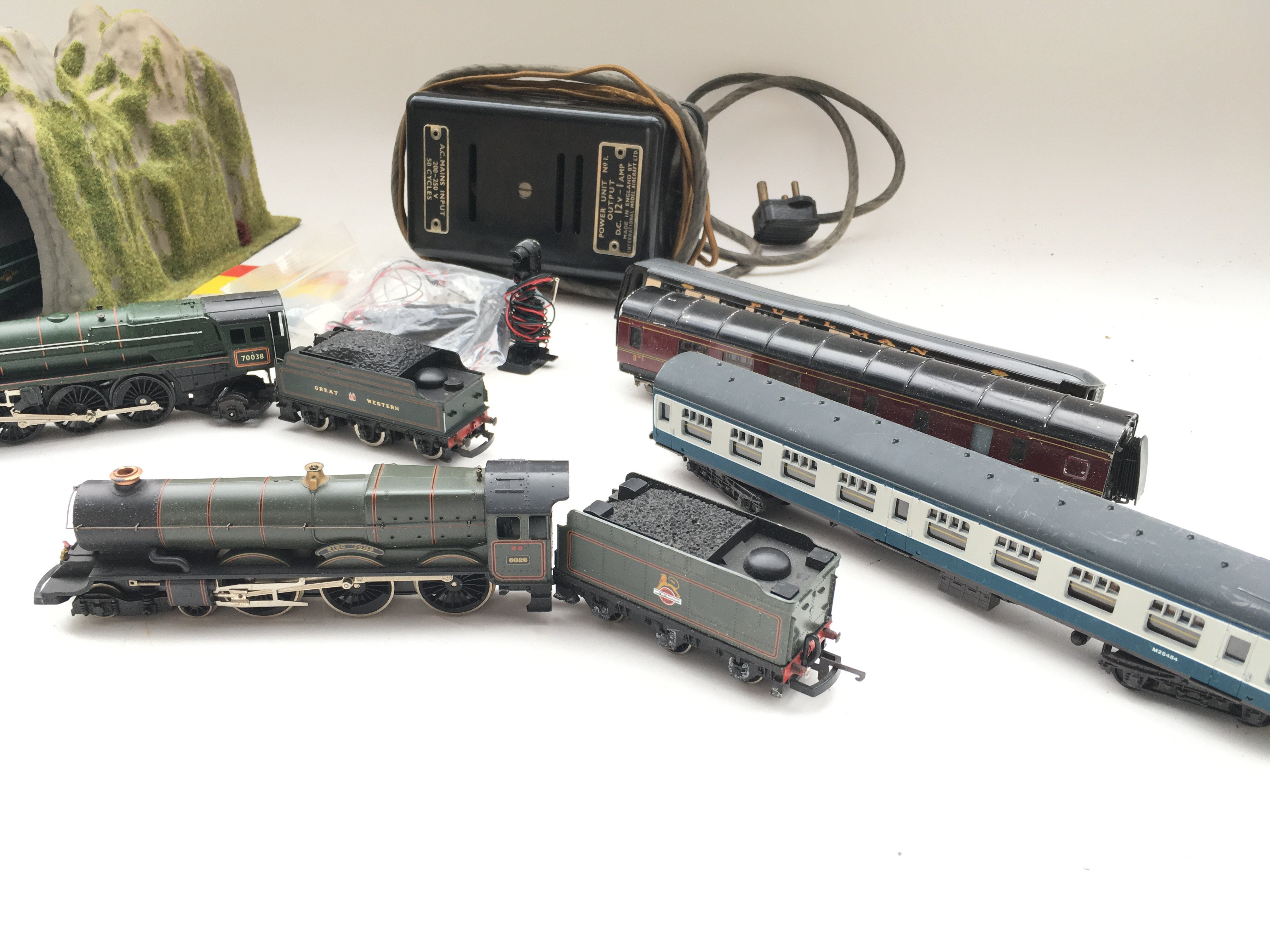 Collection of trains - coaches - controller - colour light signal and switch. - Image 3 of 5