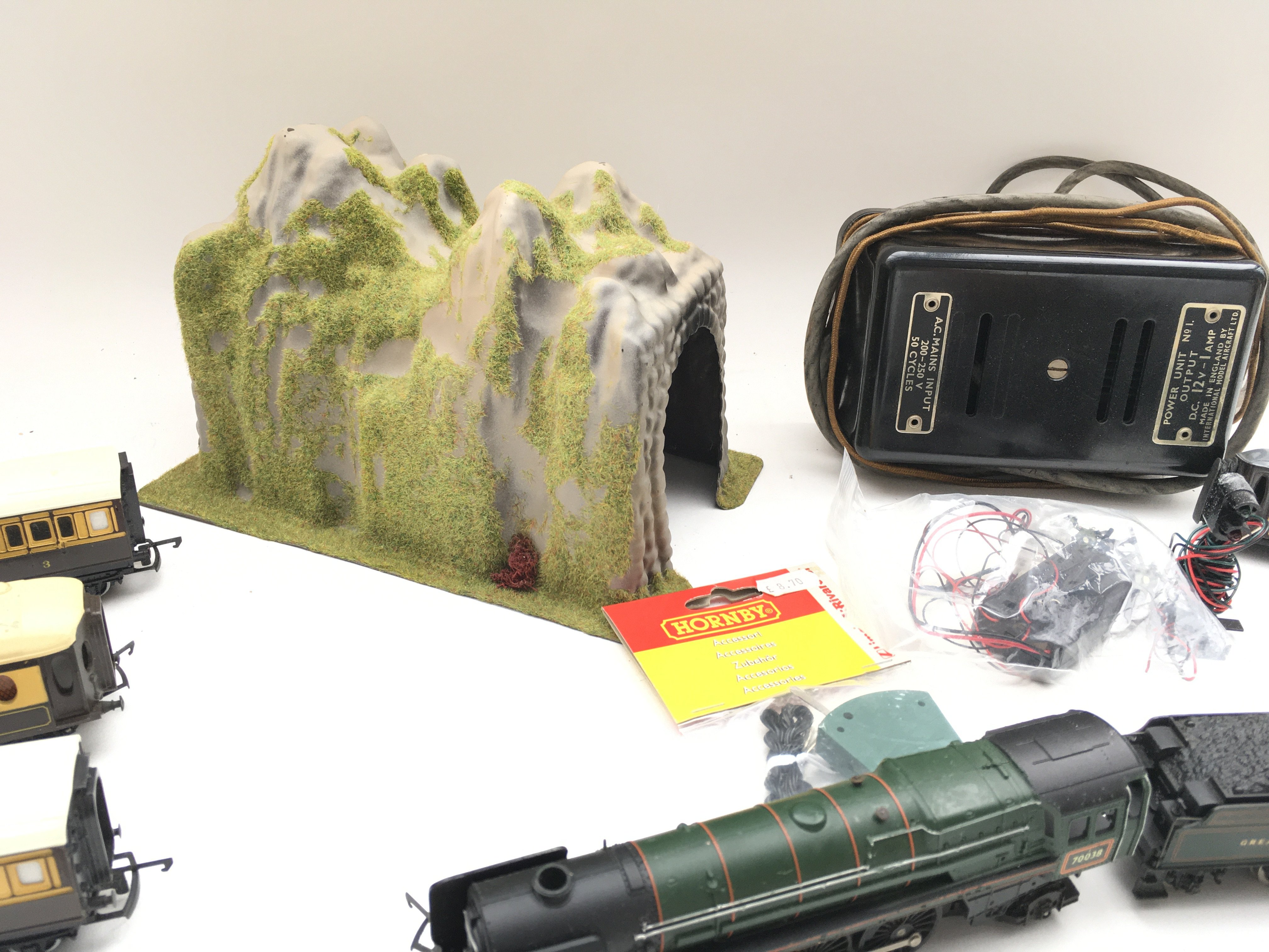 Collection of trains - coaches - controller - colour light signal and switch. - Image 5 of 5