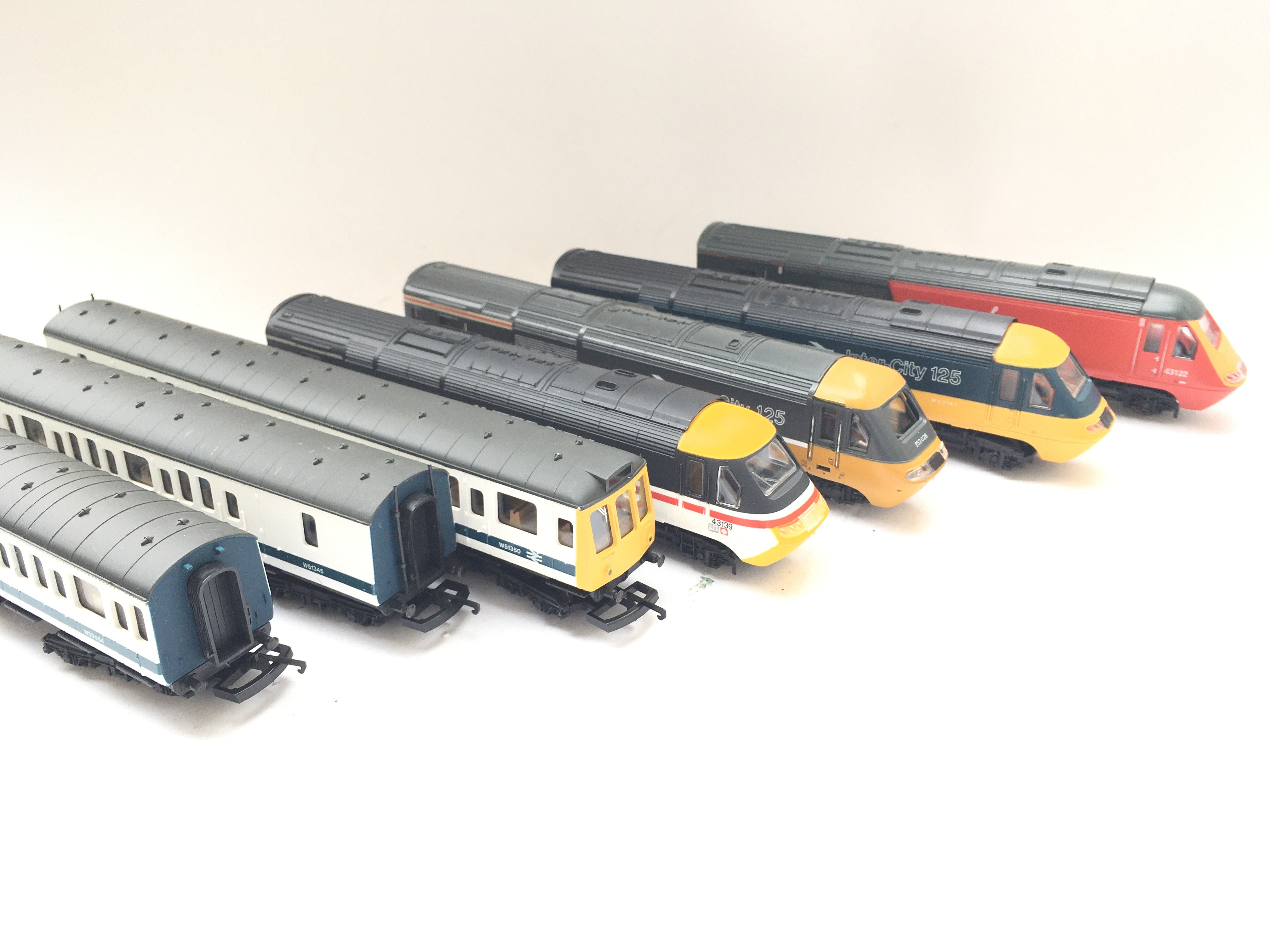 A Collection of 4 X 00 gauge Locomotives 1Dummy an