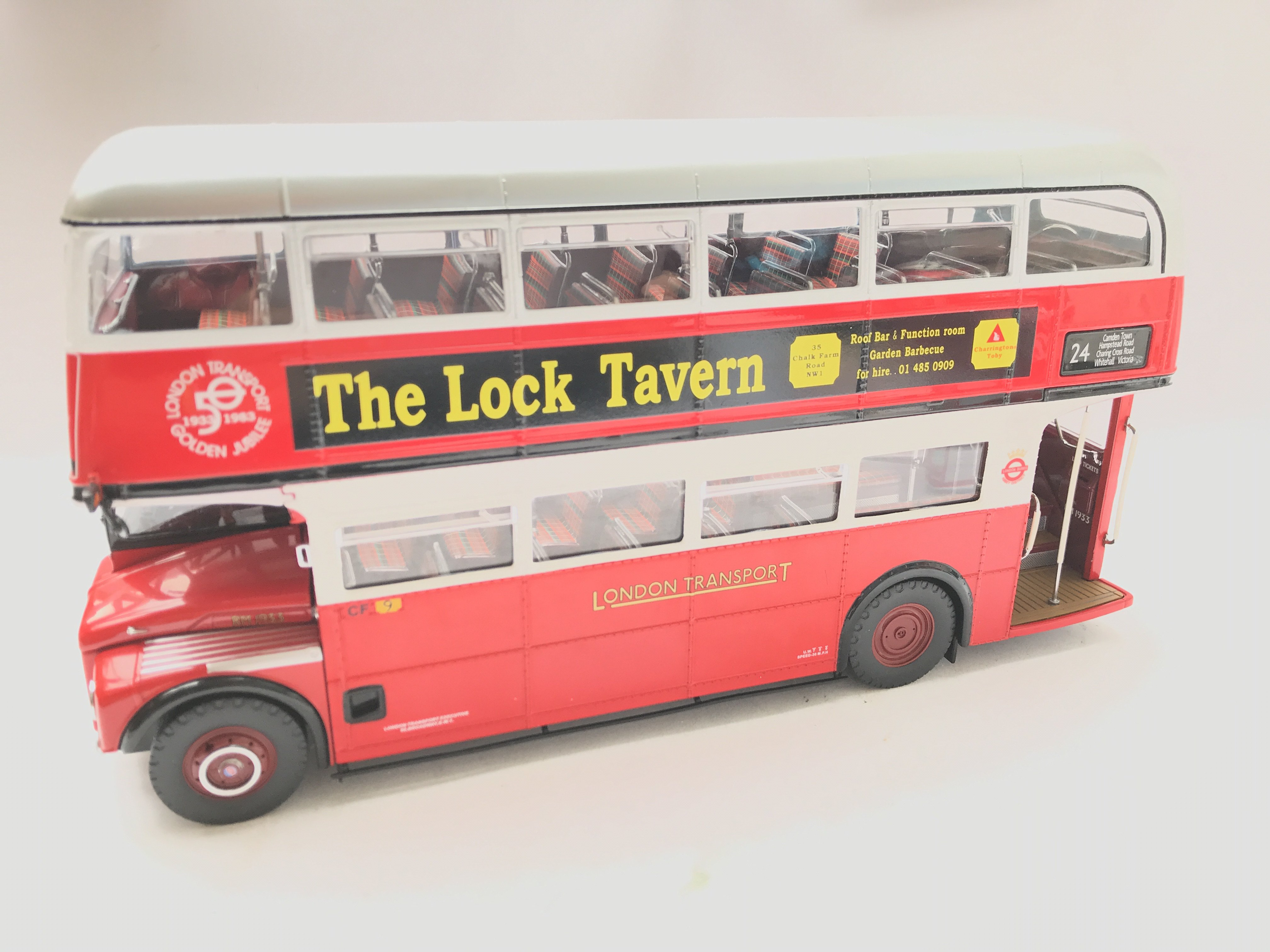 A Boxed Sunstar Routemaster Scale 1:24 #2909