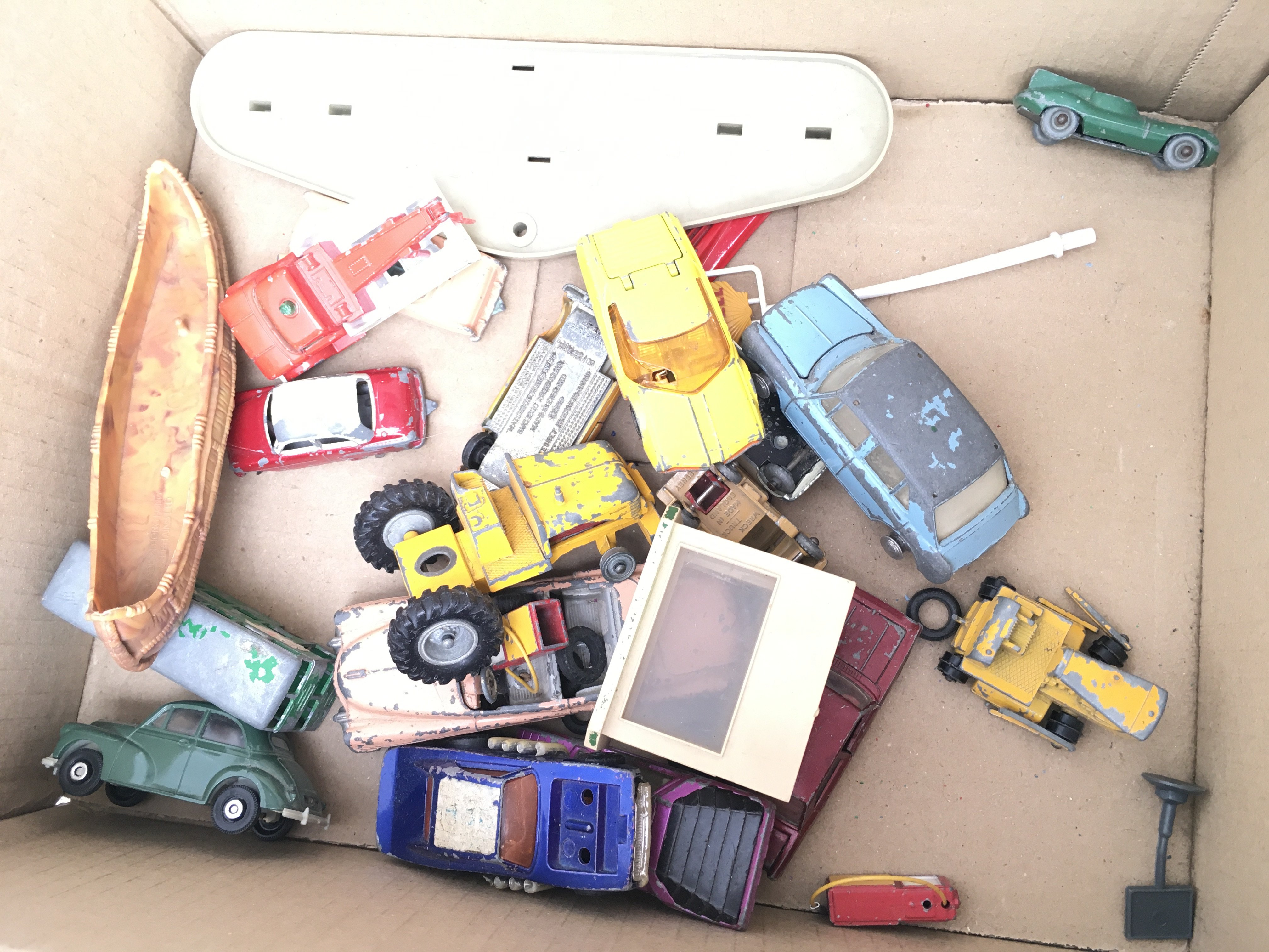 A Box Containing A Collection of Playworn Vehicles - Image 2 of 3