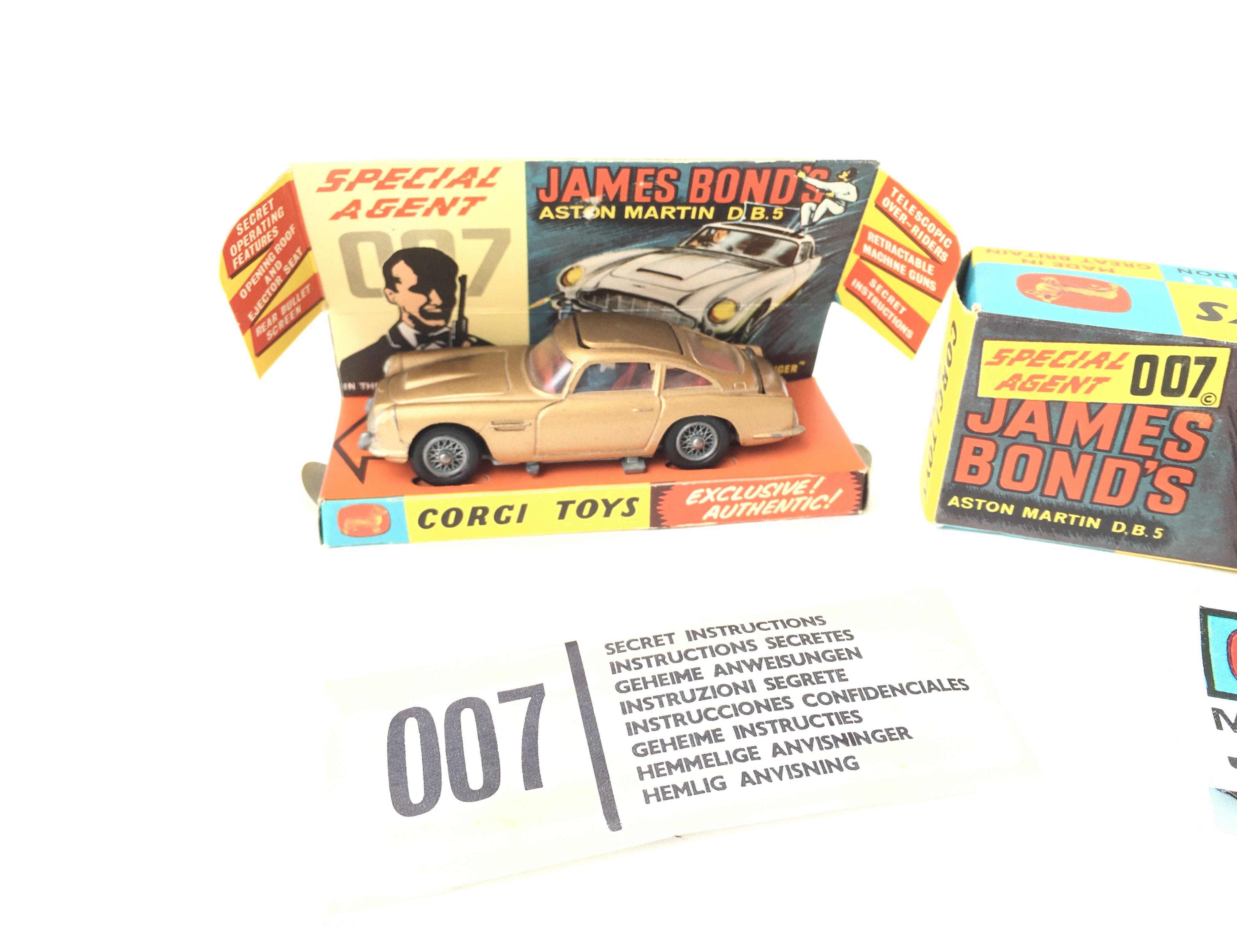 A Boxed Corgi James Bond Aston Martin D.B.5 #261. - Image 2 of 5