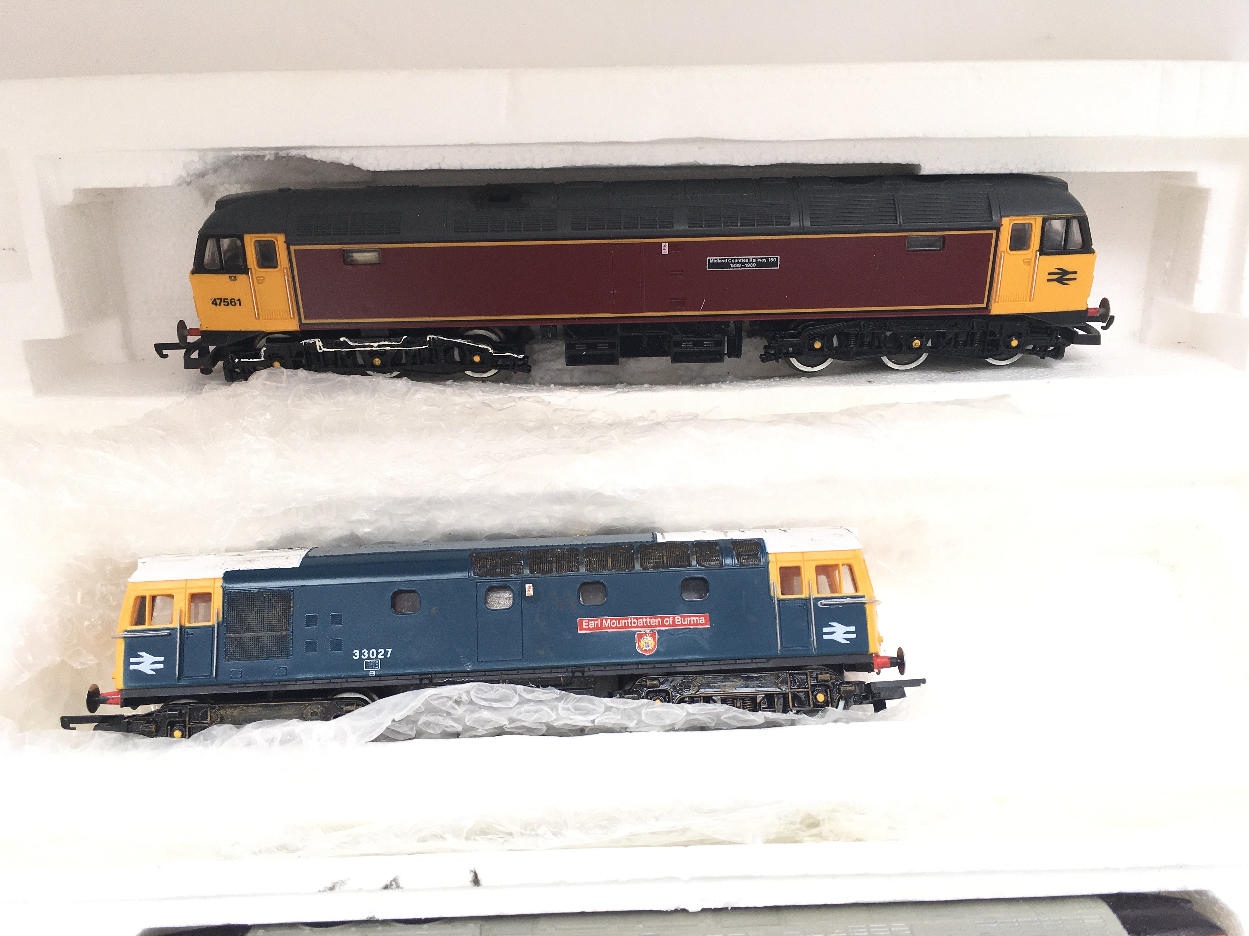 A Collection of 4 X 00 Gauge Locomotives 2 Have Be - Image 3 of 3