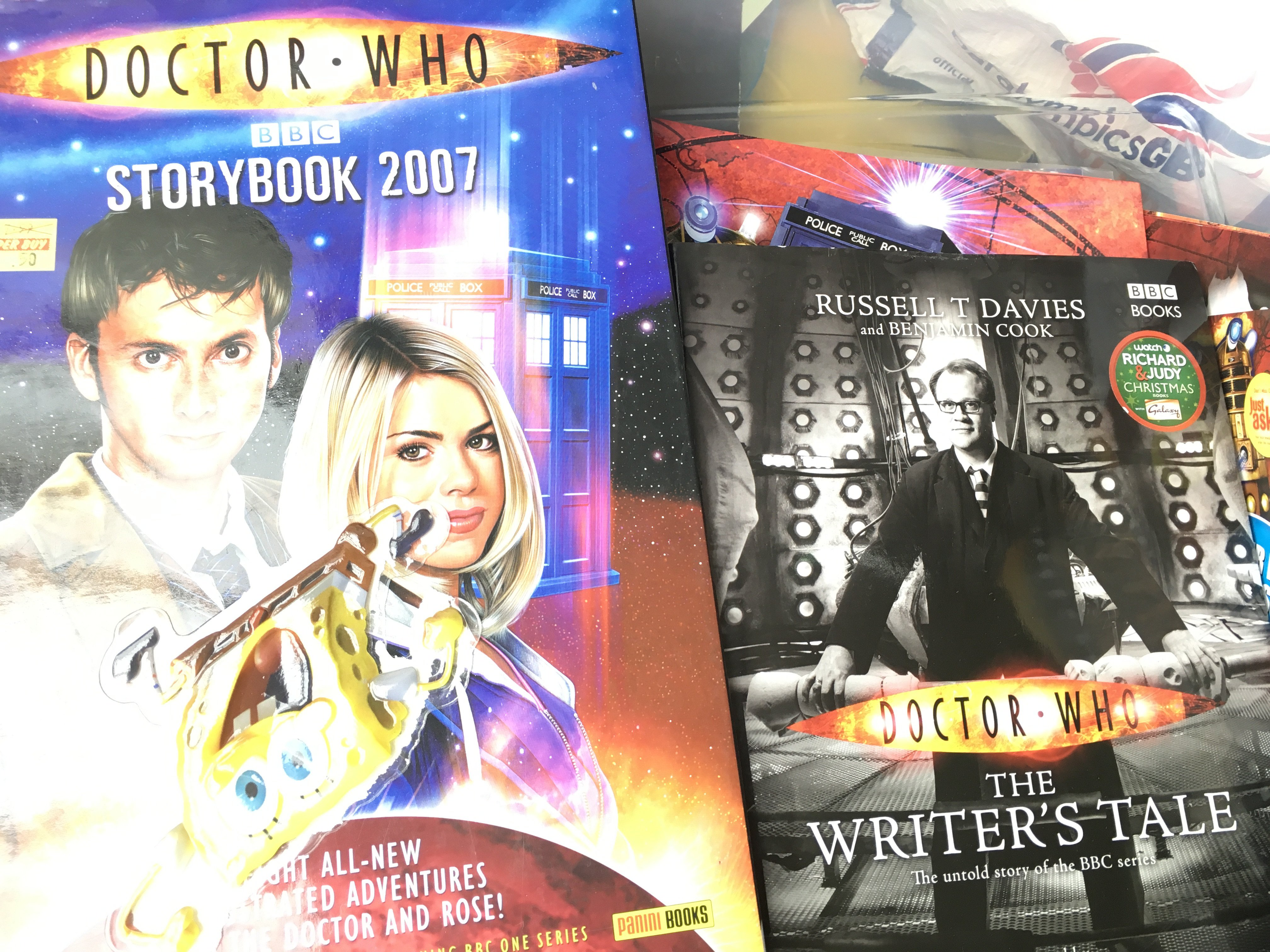 A Box Containing a Collection of Doctor Who Card C - Image 3 of 3