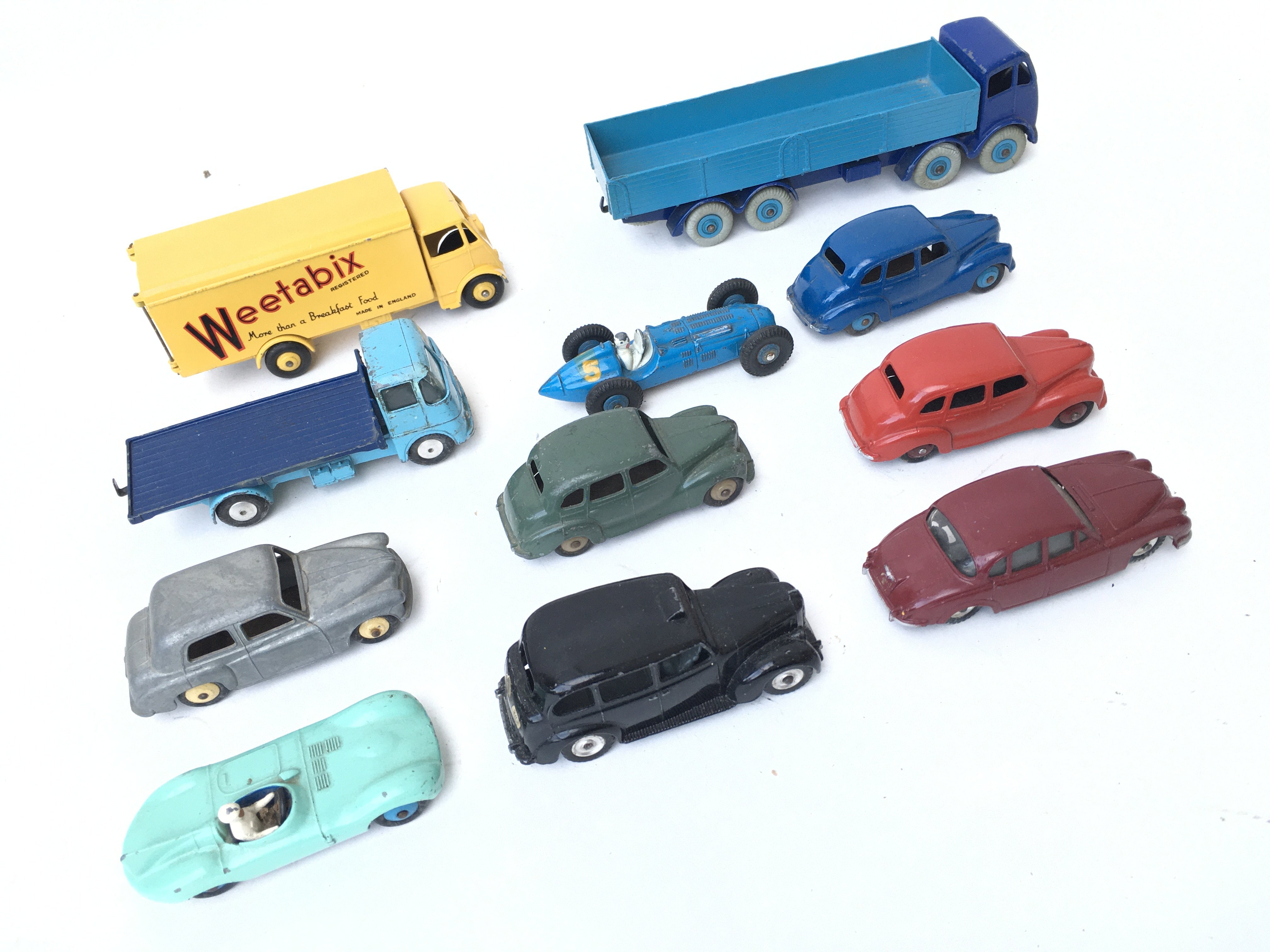 A Collection of Loose Dinky Vehicles including A F - Image 3 of 3