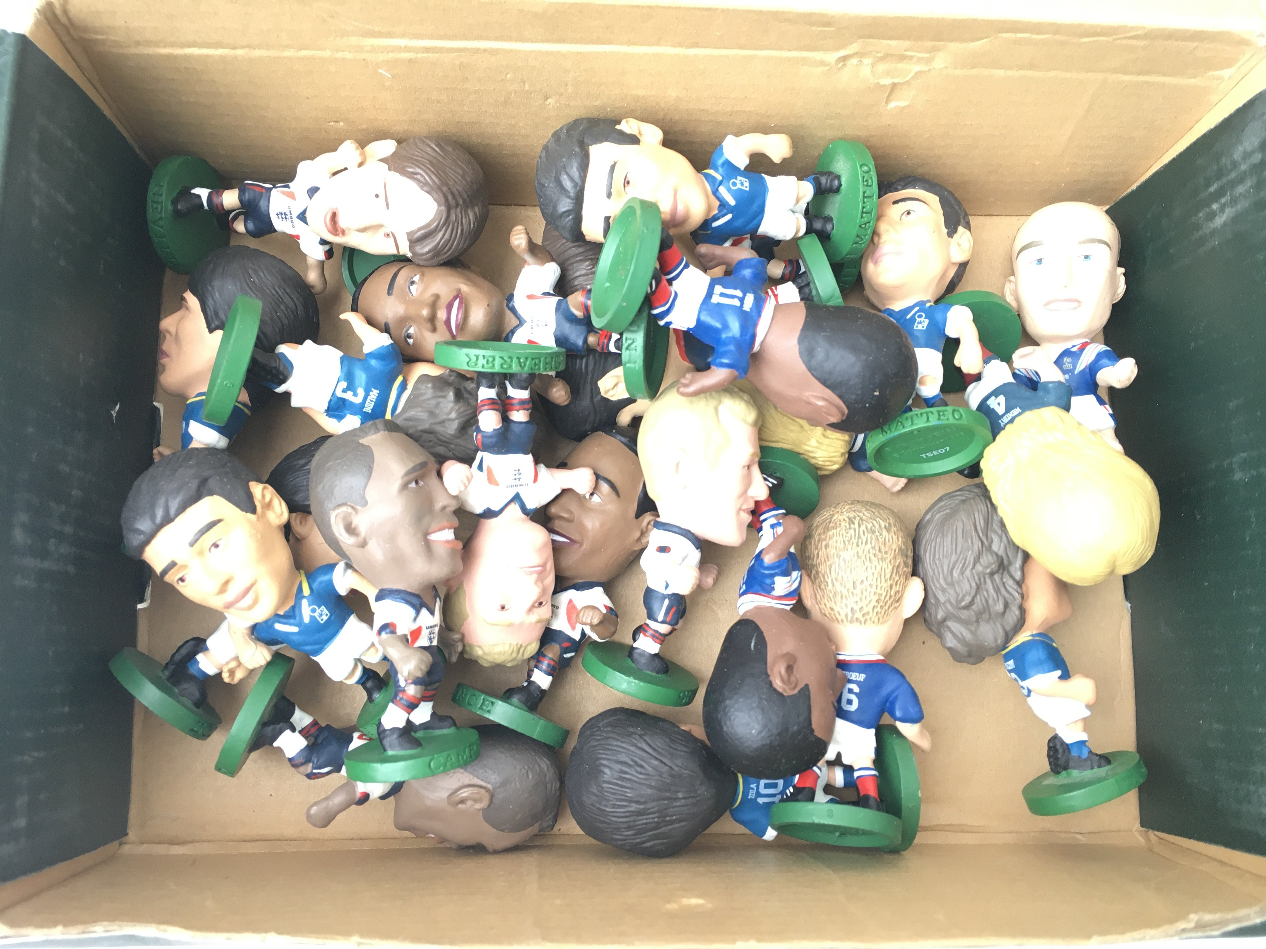 A Boxed Corinthian F.A Football collection Display Stand with Figures. - Image 3 of 3