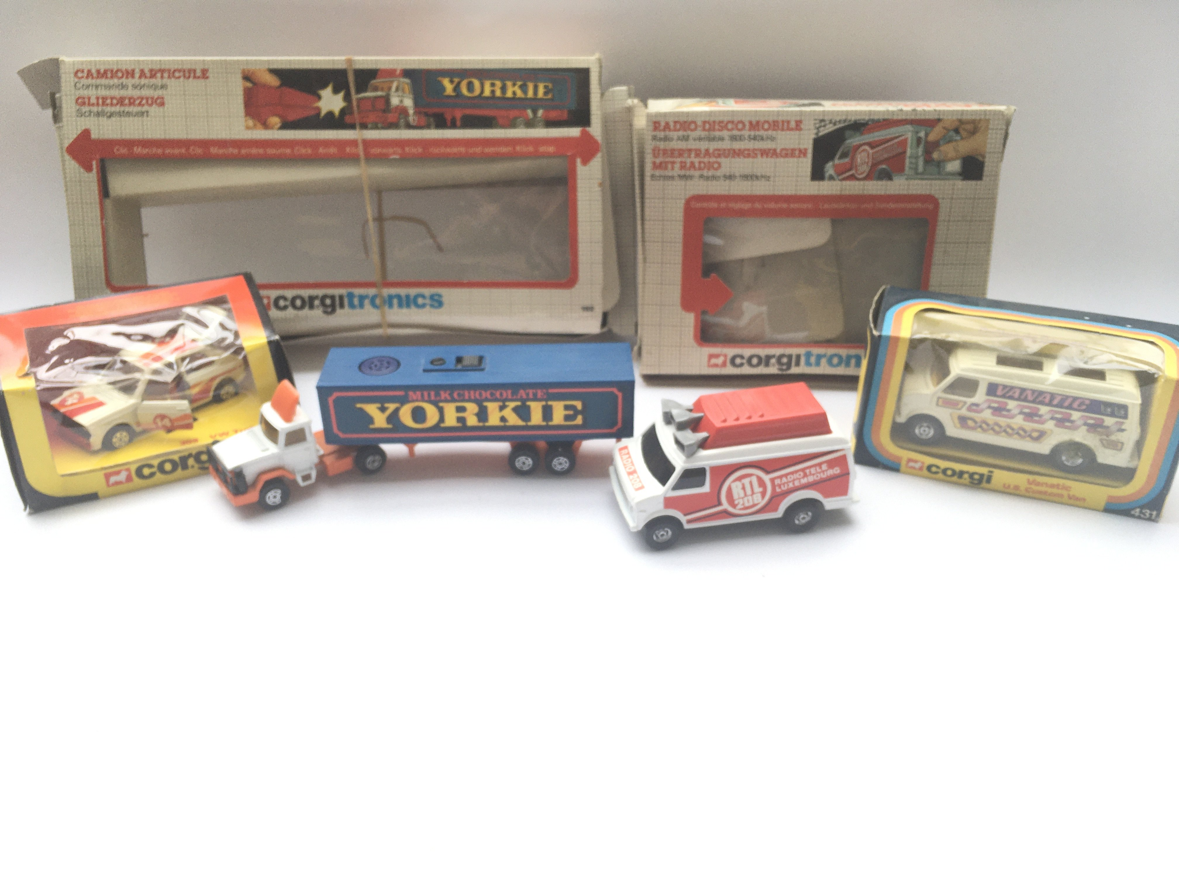 2 x Corgitronic Vehicles #1002 (control missing) a