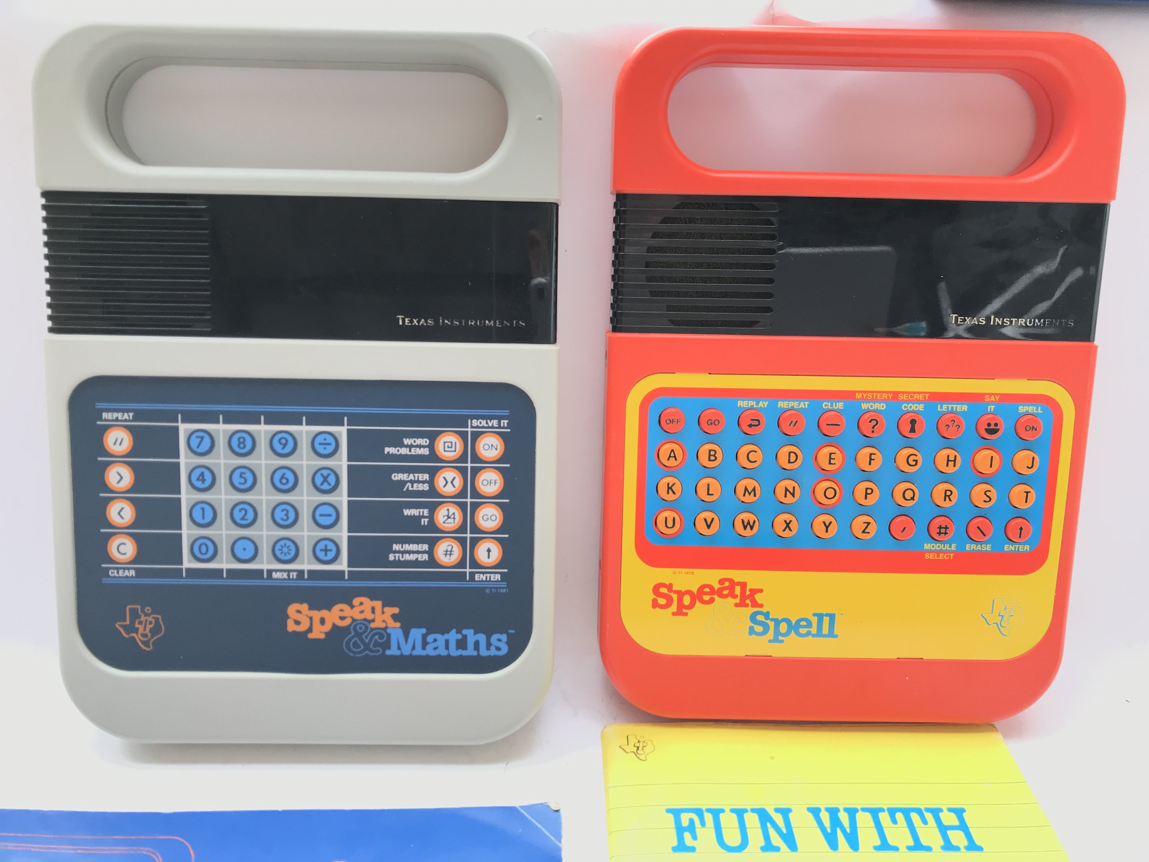 2 X Texas Instruments. A Speak and Maths and a Spe - Image 2 of 3
