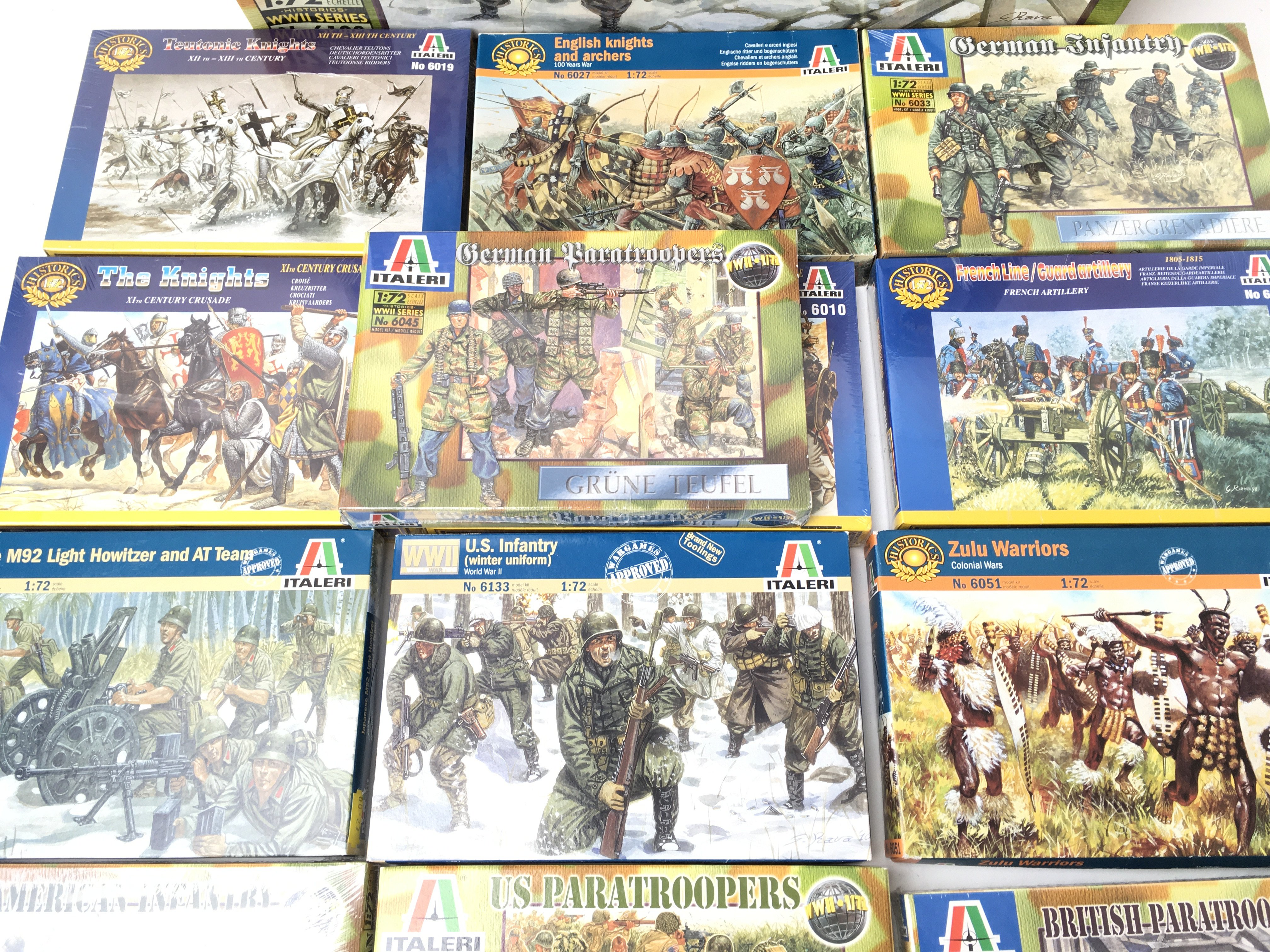A Collection of Boxed Italeri Plastic Figures Plus - Image 3 of 4