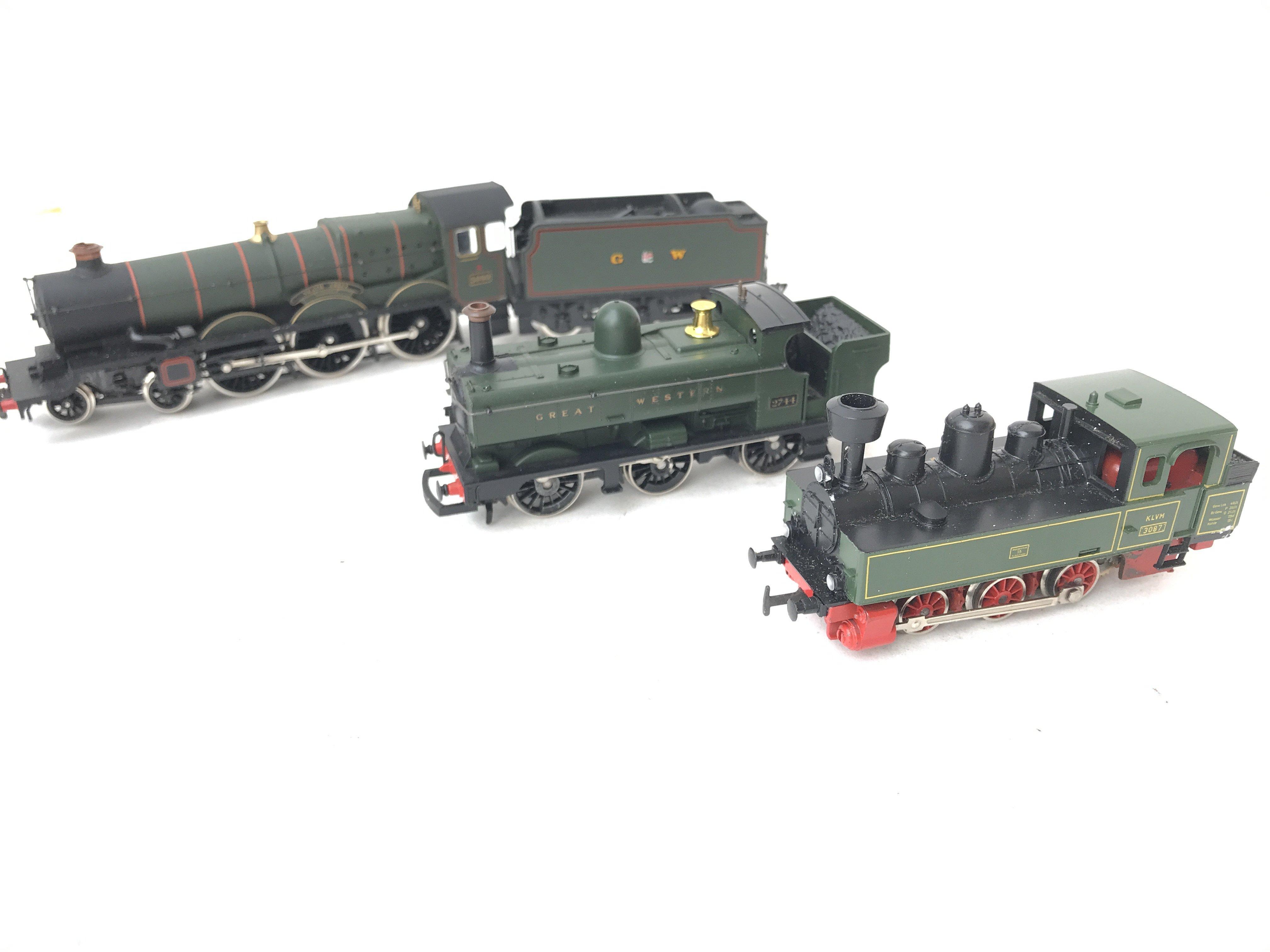 2 X 00 Gauge Locomotives including 0-6-0 Pannier tank. A Dapol GWR Castle Class Neath Abbey and a HO