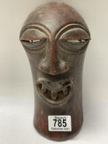 A small African tribal mask. 22cm.