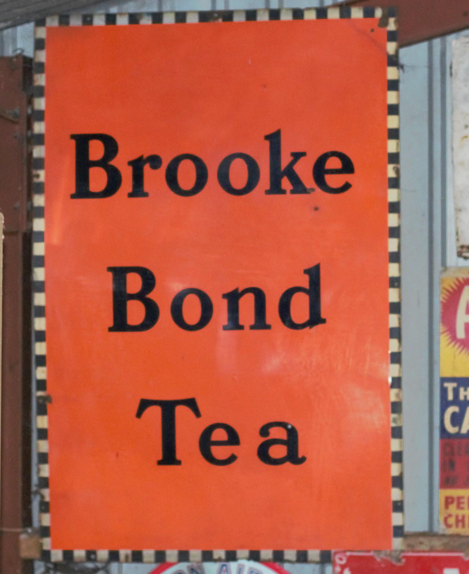 Vintage enamel advertising sign 'Brooke Bond Tea', 101 x 152cm