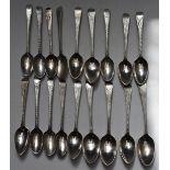 Eighteen Georgian bright cut hallmarked silver teaspoons, including a set of six bottom hallmarked
