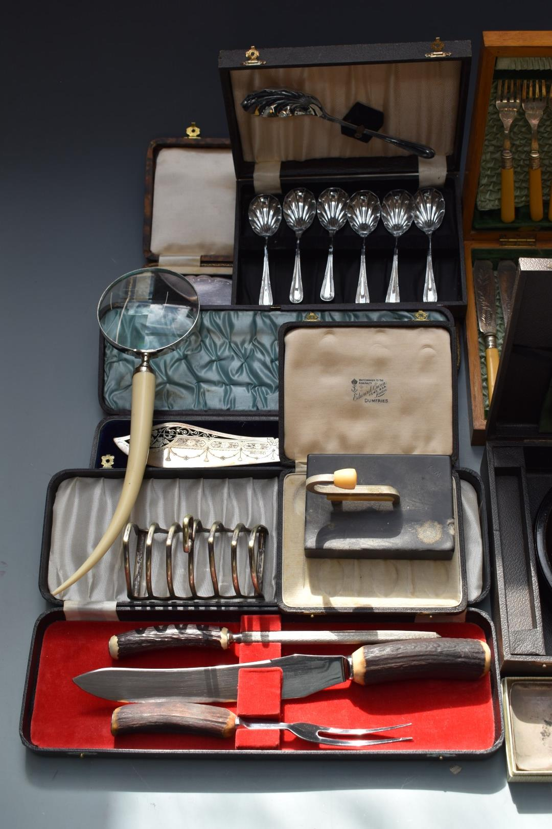 Silver plated ware to include cased cutlery, Chad Valley roulette game and Viners tankard. - Image 2 of 6