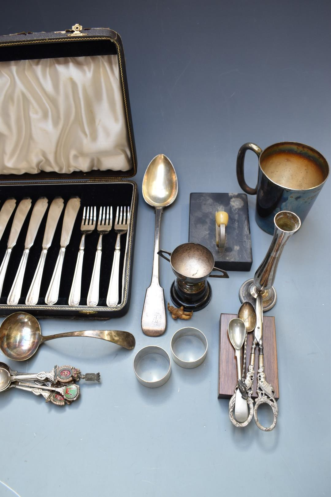 Silver plated ware to include cased cutlery, Chad Valley roulette game and Viners tankard. - Image 6 of 6