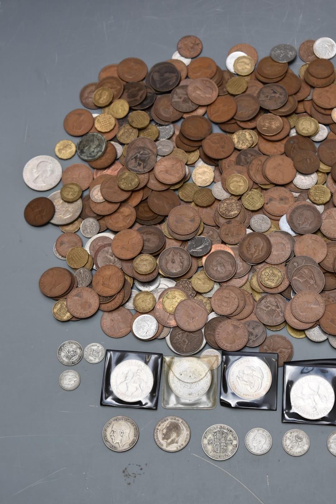 An amateur UK coin collection, Queen Victoria onwards, very small silver content, in vintage - Image 2 of 3