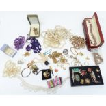 A collection of jewellery including vintage brooches, silver, necklaces, etc