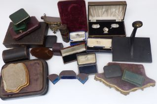 Victorian and later jewellery and silver retail boxes, jewellery or similar shop display stand and