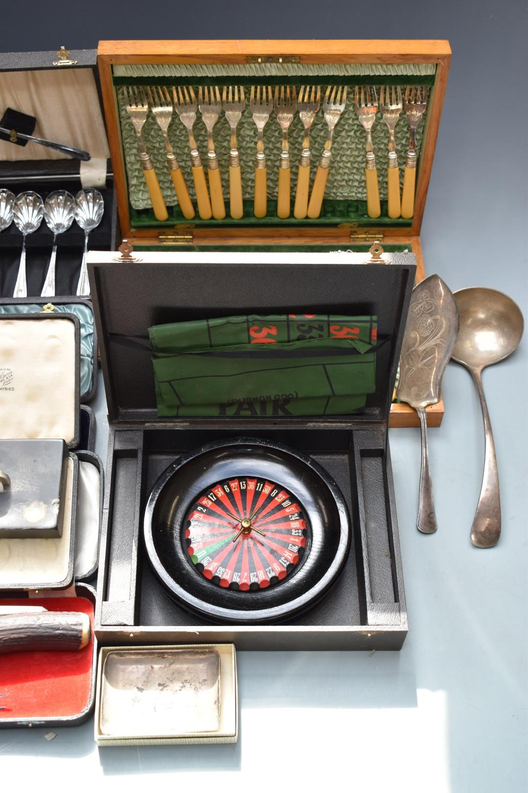Silver plated ware to include cased cutlery, Chad Valley roulette game and Viners tankard. - Image 3 of 6