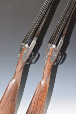 Auction of ceramics, glass, medals, militaria, guns, weapons, taxidermy & sporting