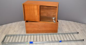 Retro / mid century Ladderax components, to include book case with glass shelf, sliding cupboard