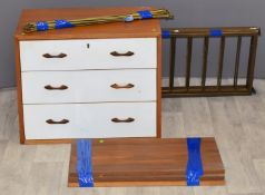 Retro / mid century Ladderax components, to include three drawer unit, three shelves, four