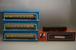 Five 'OO' gauge GWR coaches. (5)