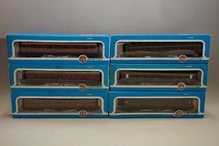 Six 'OO' gauge LMS coaches, each in Airfix box. (6)