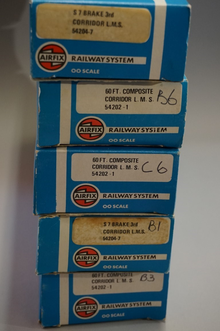 Five Airfix 'OO' gauge LMS coaches, each in Airfix box. (5) - Image 5 of 5